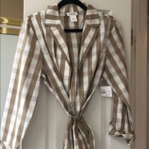 Kate hill Beige and white plaid top Sz L